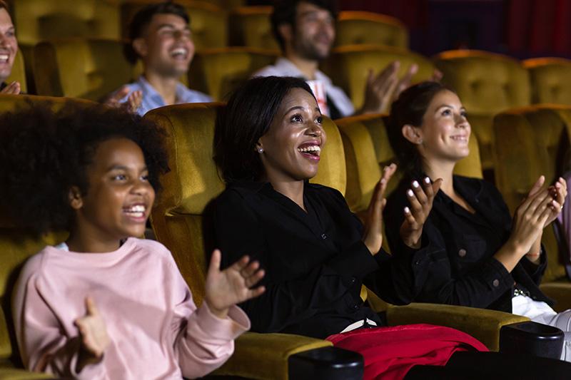 familia en el teatro